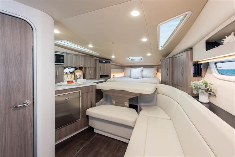 2019 Regal 35 Sport Coupe Crate S Lake Country Boats
