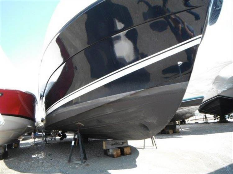 Photo 119 of 123 - 2008 Riviera 3600 SPORT YACHT for sale