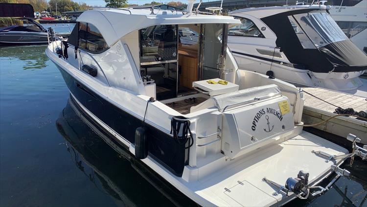 Photo 7 of 123 - 2008 Riviera 3600 SPORT YACHT for sale
