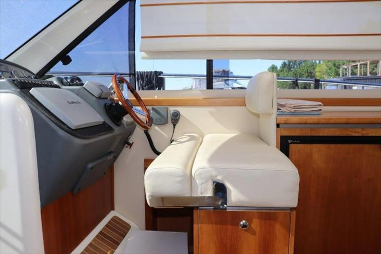 Photo 62 of 123 - 2008 Riviera 3600 SPORT YACHT for sale