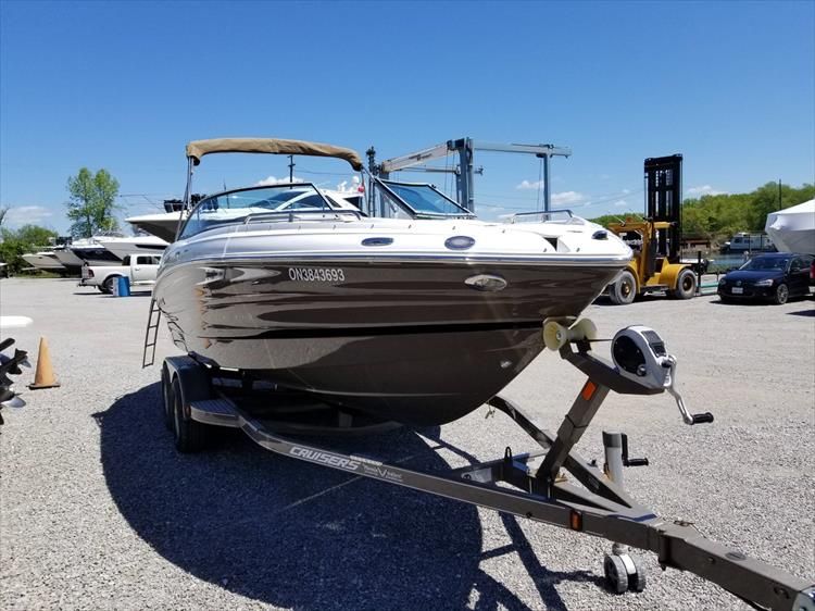 Photo 6 of 38 - 2013 Cruisers Yachts 238 Bowrider for sale