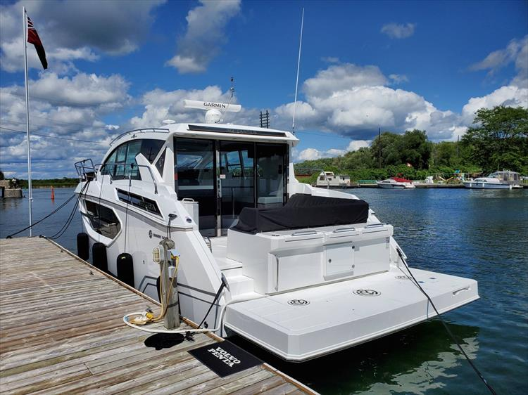 Photo 20 of 76 - 2020 Cruisers Yachts 42 Cantius for sale