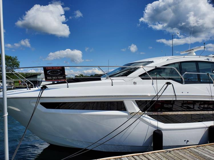 Photo 23 of 76 - 2020 Cruisers Yachts 42 Cantius for sale