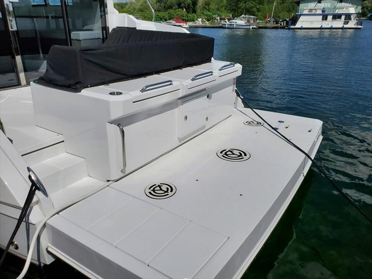 Photo 24 of 76 - 2020 Cruisers Yachts 42 Cantius for sale