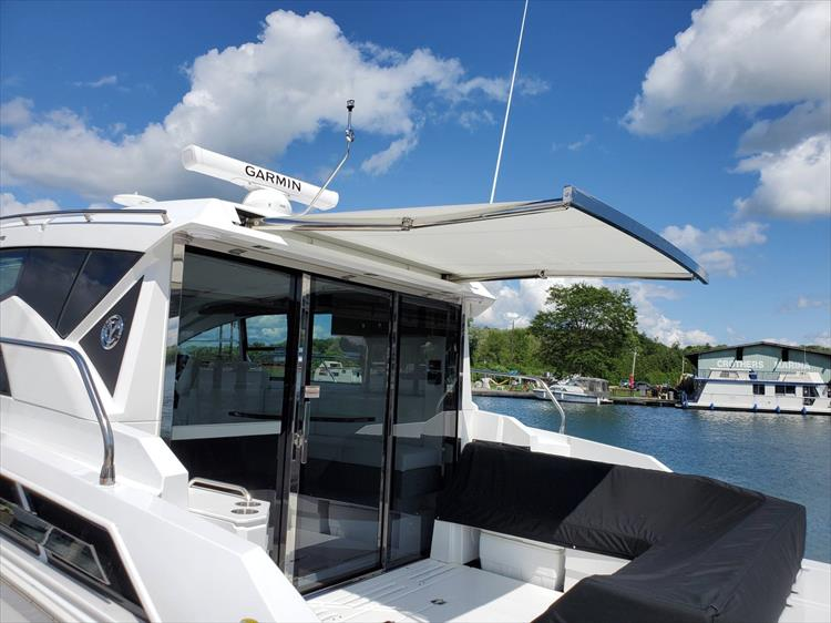 Photo 35 of 76 - 2020 Cruisers Yachts 42 Cantius for sale