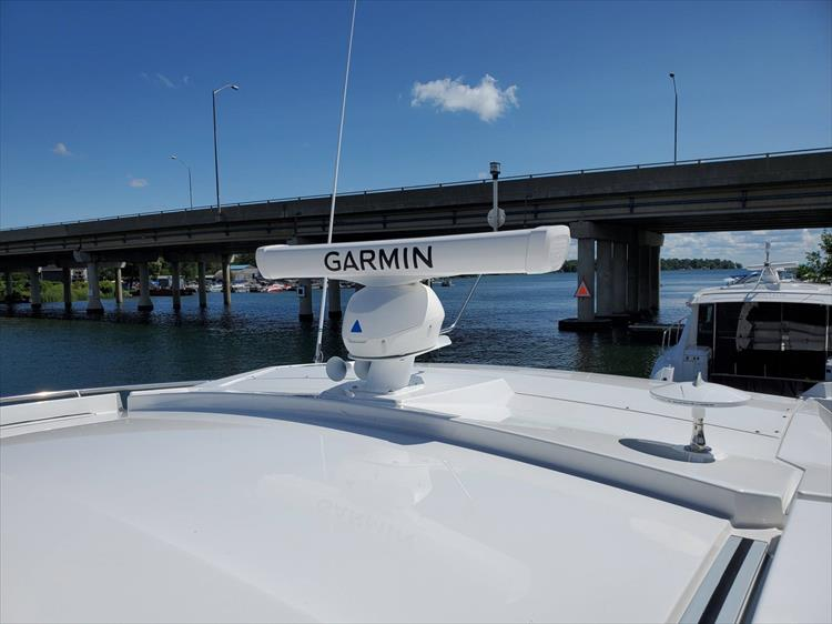 Photo 36 of 76 - 2020 Cruisers Yachts 42 Cantius for sale