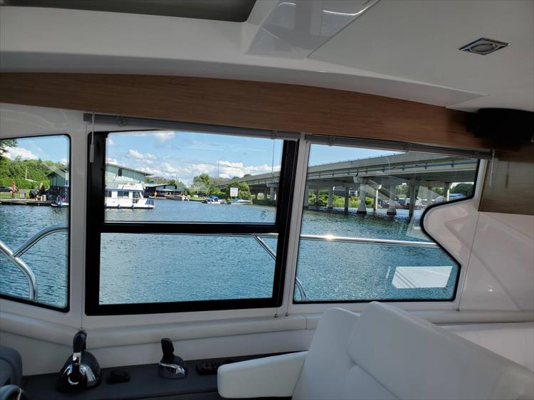 Photo 47 of 76 - 2020 Cruisers Yachts 42 Cantius for sale