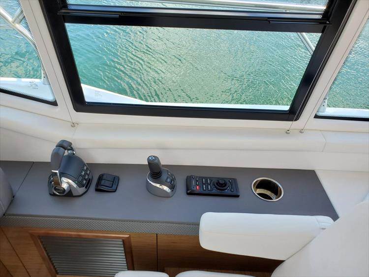 Photo 48 of 76 - 2020 Cruisers Yachts 42 Cantius for sale
