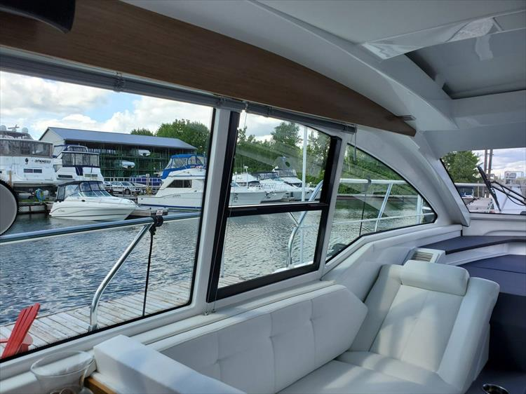 Photo 49 of 76 - 2020 Cruisers Yachts 42 Cantius for sale