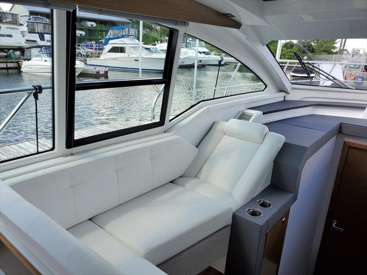 Photo 50 of 76 - 2020 Cruisers Yachts 42 Cantius for sale
