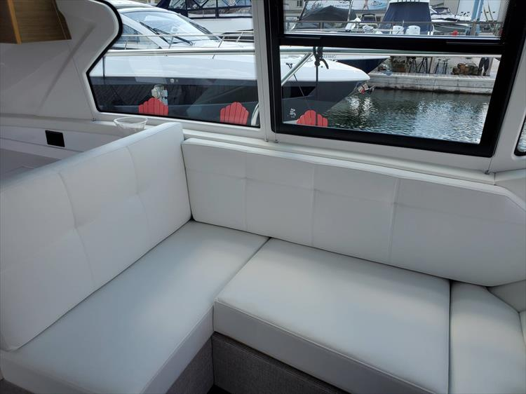 Photo 51 of 76 - 2020 Cruisers Yachts 42 Cantius for sale