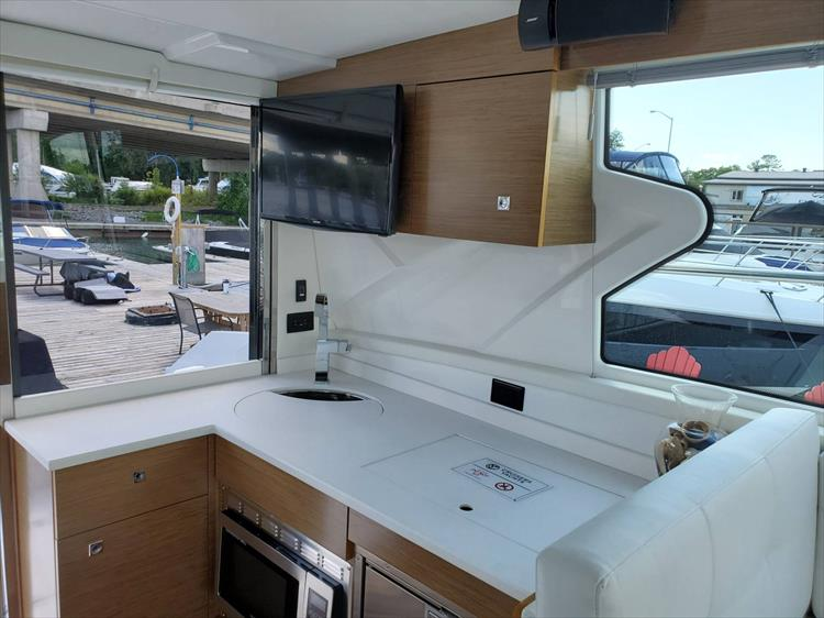 Photo 52 of 76 - 2020 Cruisers Yachts 42 Cantius for sale