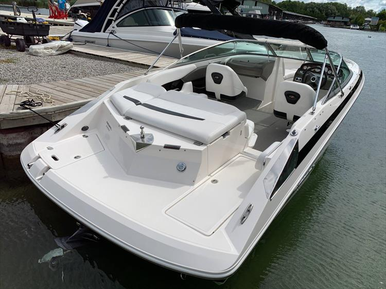 Photo 4 of 14 - 2006 Regal 2200 Bow Rider for sale