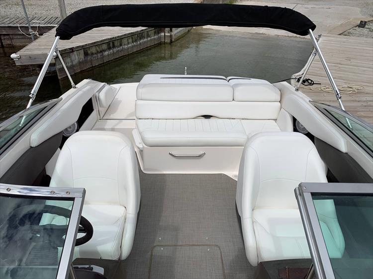 Photo 11 of 14 - 2006 Regal 2200 Bow Rider for sale