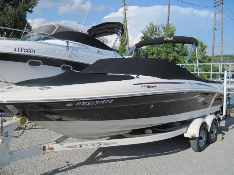 Photo 1 of 13 - 2006 Sea Ray 205 Sport for sale