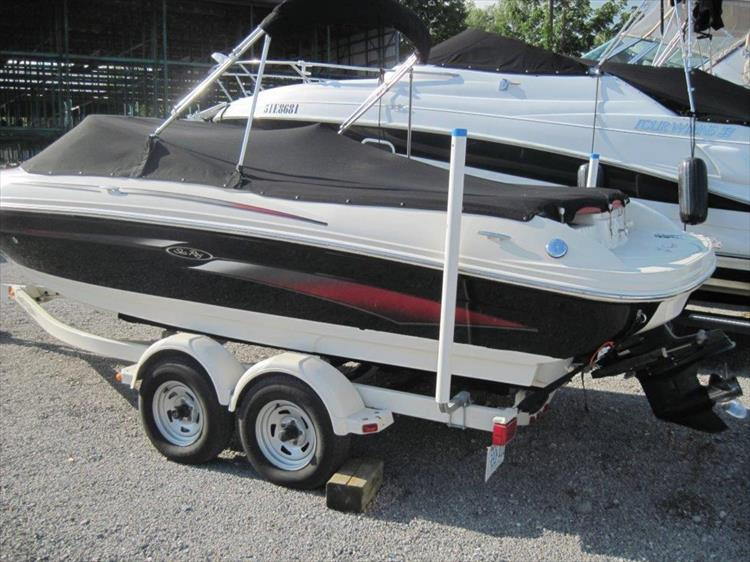 Photo 2 of 13 - 2006 Sea Ray 205 Sport for sale