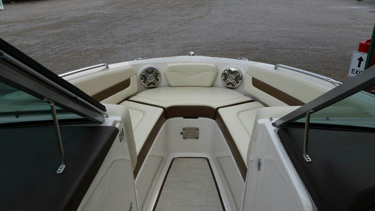 Photo 5 of 21 - 2017 Chaparral 226 SSi for sale