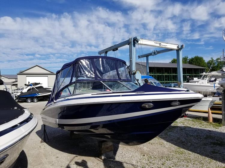 Photo 4 of 30 - 2010 Regal 2100 Bowrider for sale