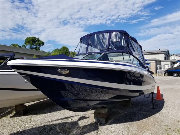Photo 5 of 30 - 2010 Regal 2100 Bowrider for sale