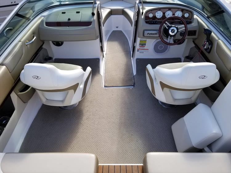 Photo 15 of 30 - 2010 Regal 2100 Bowrider for sale