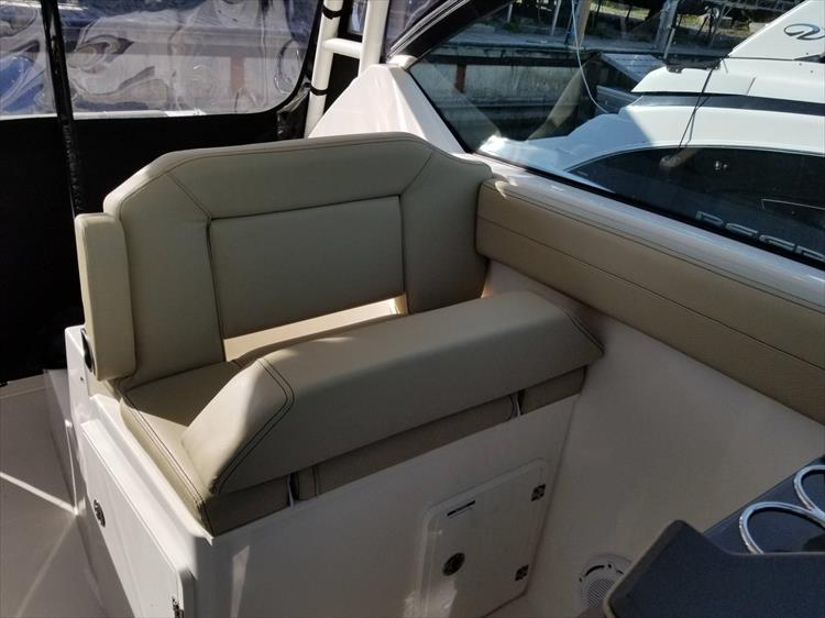 Photo 14 of 36 - 2017 Pursuit DC 295 Dual Console for sale