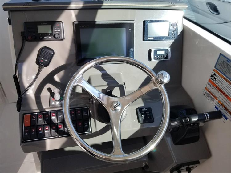 Photo 17 of 36 - 2017 Pursuit DC 295 Dual Console for sale