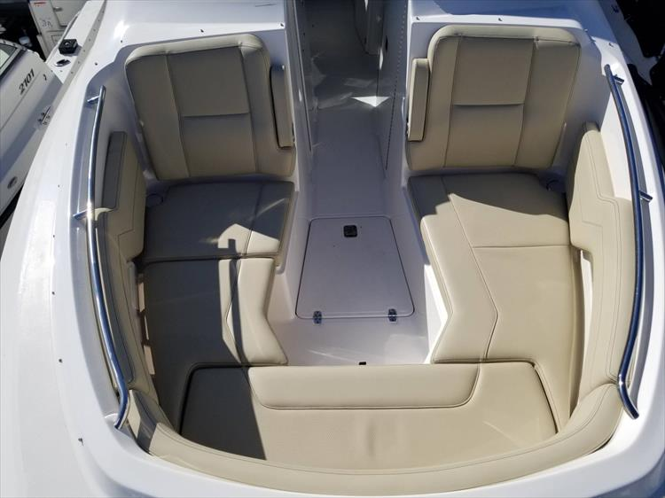 Photo 32 of 36 - 2017 Pursuit DC 295 Dual Console for sale