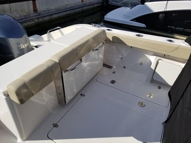 Photo 5 of 36 - 2017 Pursuit DC 295 Dual Console for sale