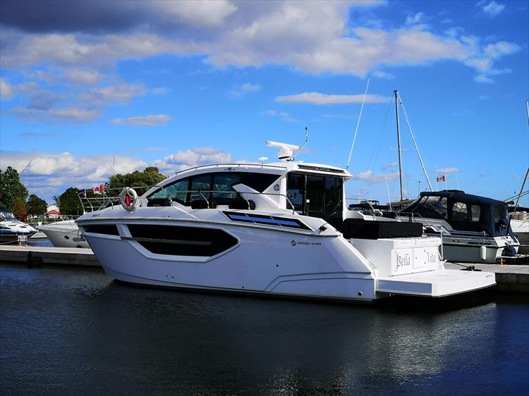 Photo 1 of 20 - 2019 Cruisers Yachts 42 Cantius for sale