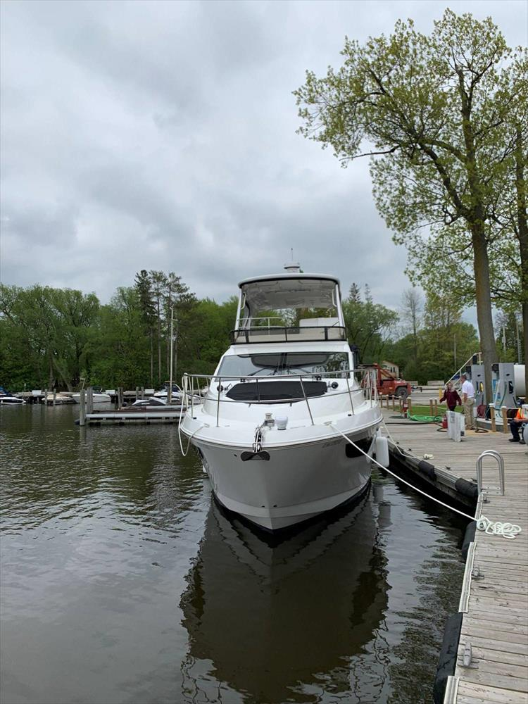 Photo 2 of 60 - 2018 Sea Ray 460 Fly for sale