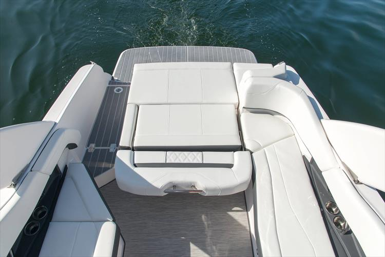 Photo 38 of 50 - 2021 Regal 26 Fasdeck for sale