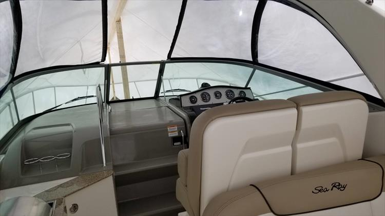 Photo 5 of 36 - 2015 Sea Ray 330 Sundancer for sale