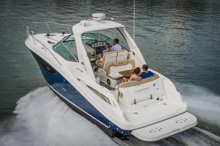 Photo 4 of 36 - 2015 Sea Ray 330 Sundancer for sale