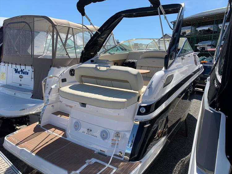 Photo 7 of 21 - 2019 Regal 28 Express for sale