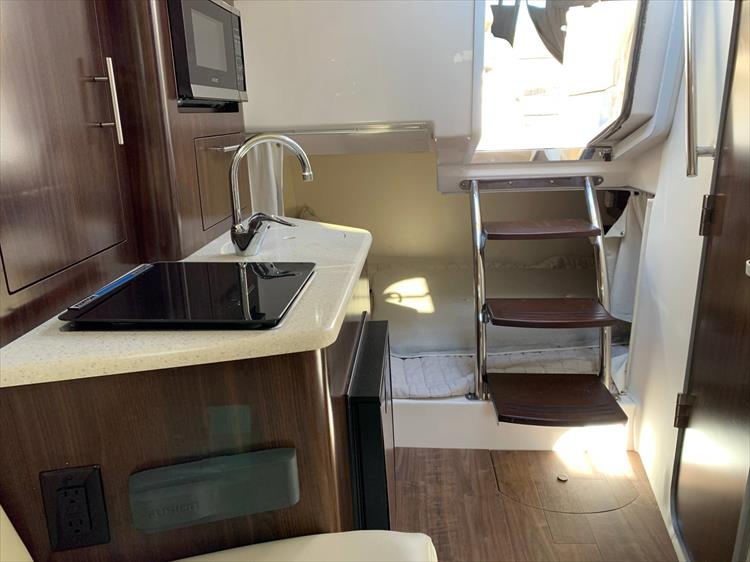 Photo 16 of 21 - 2019 Regal 28 Express for sale