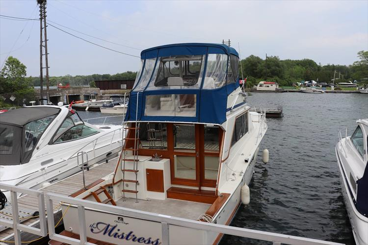 Photo 2 of 73 - 1977 Chris Craft 42 Convertible for sale