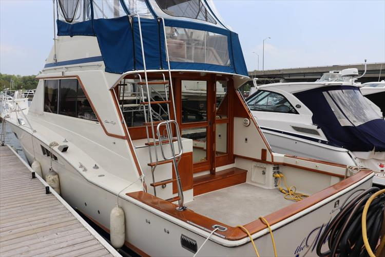 Photo 5 of 73 - 1977 Chris Craft 42 Convertible for sale