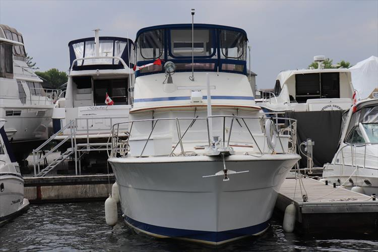Photo 12 of 73 - 1977 Chris Craft 42 Convertible for sale