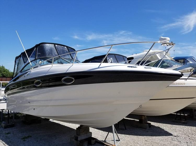 Photo 2 of 33 - 2005 Crownline 250 CR Express for sale