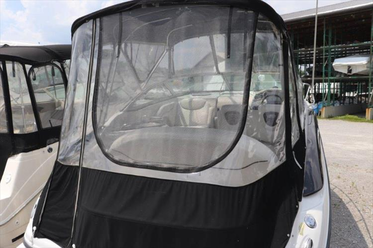 Photo 8 of 33 - 2005 Crownline 250 CR Express for sale