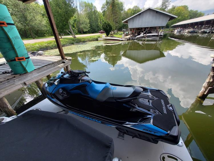 Photo 1 of 7 - 2019 Sea Doo RXT-16KC - 230HP for sale