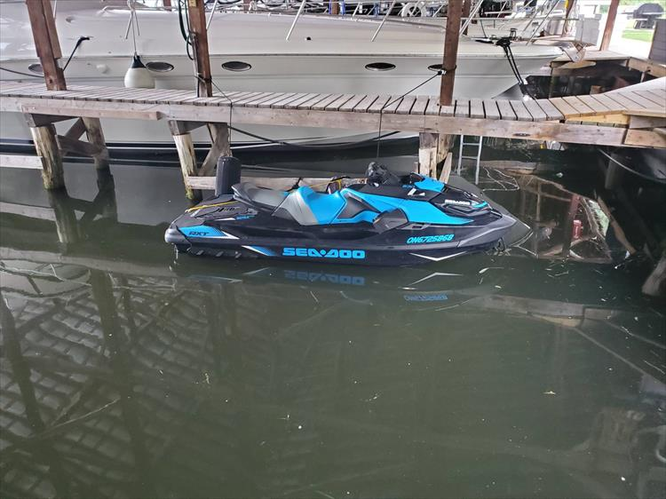 Photo 5 of 7 - 2019 Sea Doo RXT-16KC - 230HP for sale