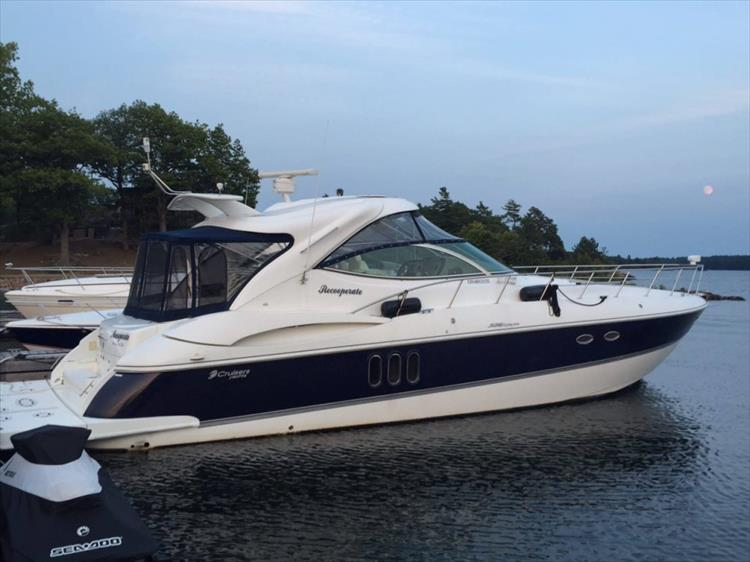 Photo 1 of 39 - 2008 Cruisers Yachts 520 Express for sale
