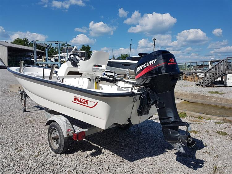 Photo 1 of 4 - 2001 Boston Whaler 130 Sport for sale