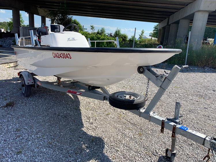 Photo 3 of 4 - 2001 Boston Whaler 130 Sport for sale