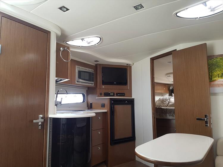 Photo 44 of 72 - 2017 Cruisers Yachts 38 Express for sale