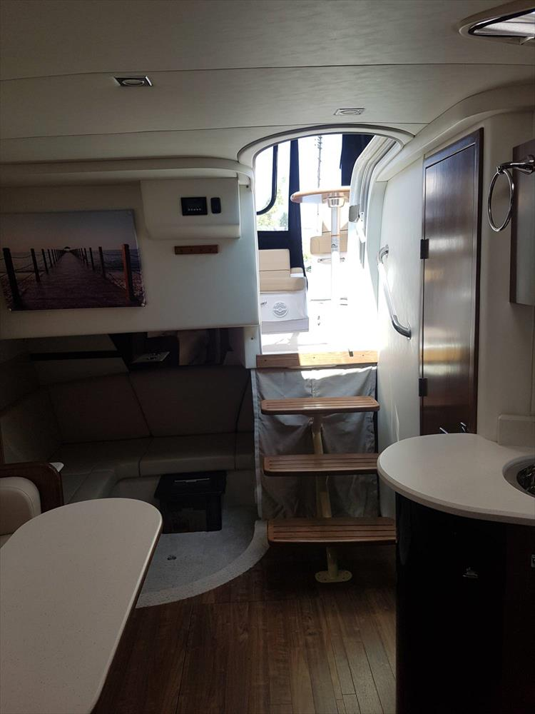 Photo 49 of 72 - 2017 Cruisers Yachts 38 Express for sale