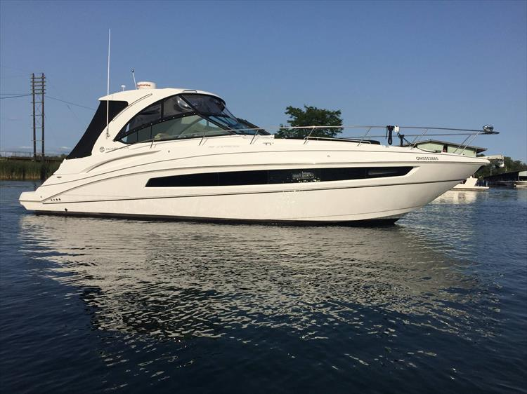Photo 1 of 72 - 2017 Cruisers Yachts 38 Express for sale