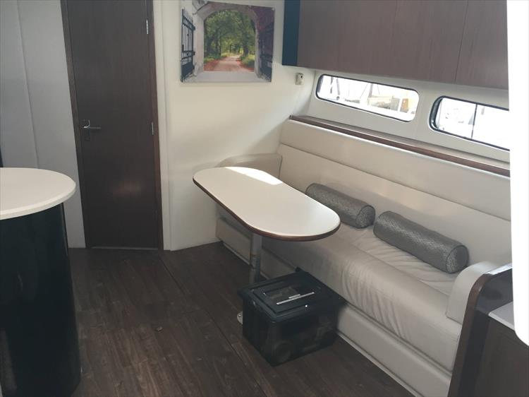 Photo 39 of 72 - 2017 Cruisers Yachts 38 Express for sale
