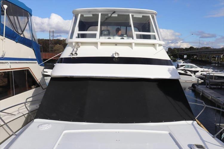 Photo 13 of 94 - 1985 Chris Craft 425 Catalina for sale